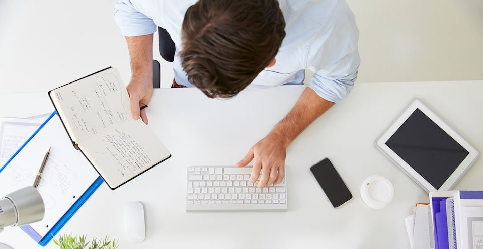 Working-Man-With-Note